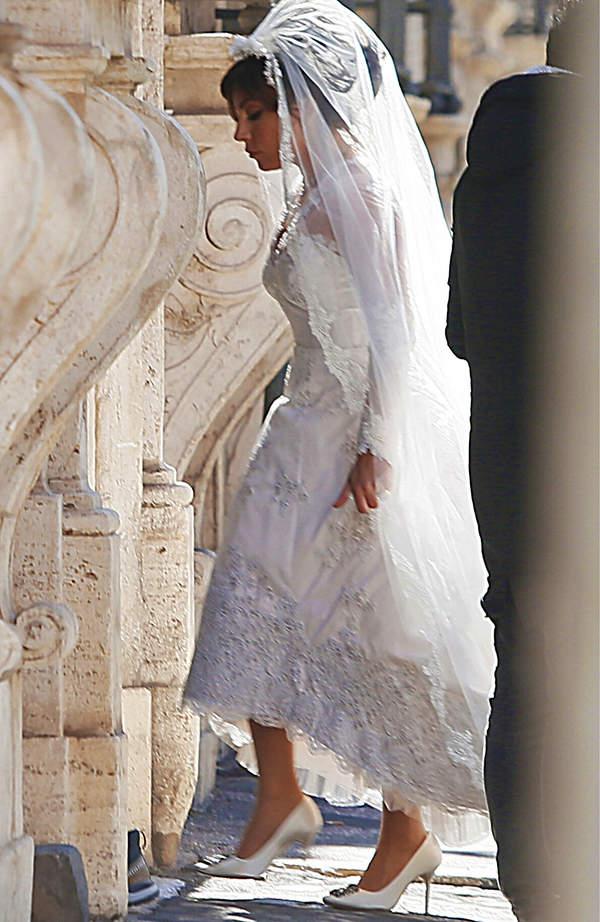 Lady Gaga w sukni ślubnej
