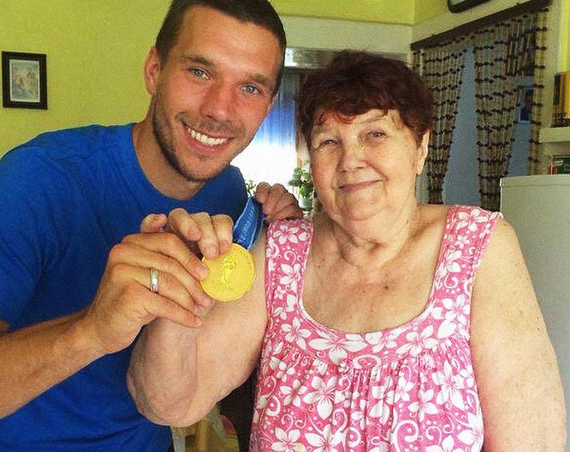 Lukas Podolski stracił babcię