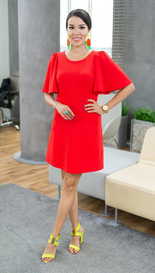 cd2fa29253 Fot. East News. Biżuteria do czerwonej sukienki