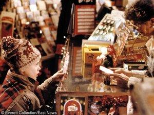 Macaulay Culkin w czapce z reniferami