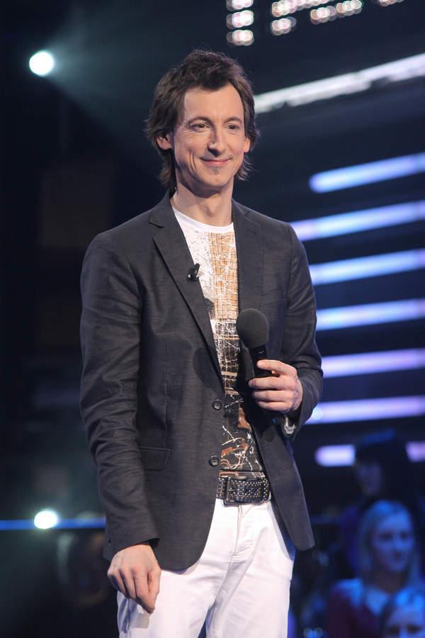 Maciej Miecznikowski, tak dziś wygląda życie wokalisty, Tak to leciało,  2010