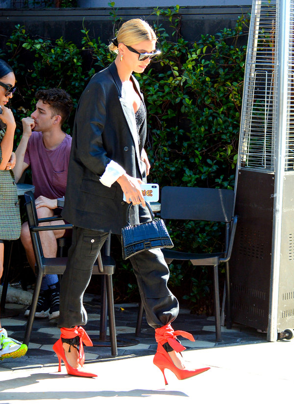 Maffashion, Hailey Bieber, buty Balenciaga