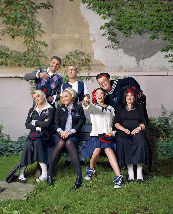 Magdalena Różczka, Gosia Baczyńska, Krzysztof Hołowczyc, VIVA! wrzesień 2006