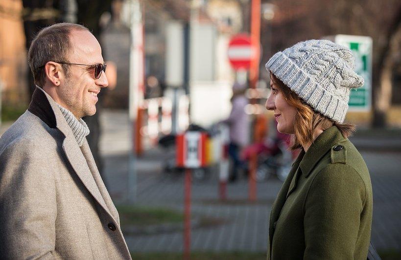 Maja Ostaszewska i Łukasz Simlat, scena z serialu