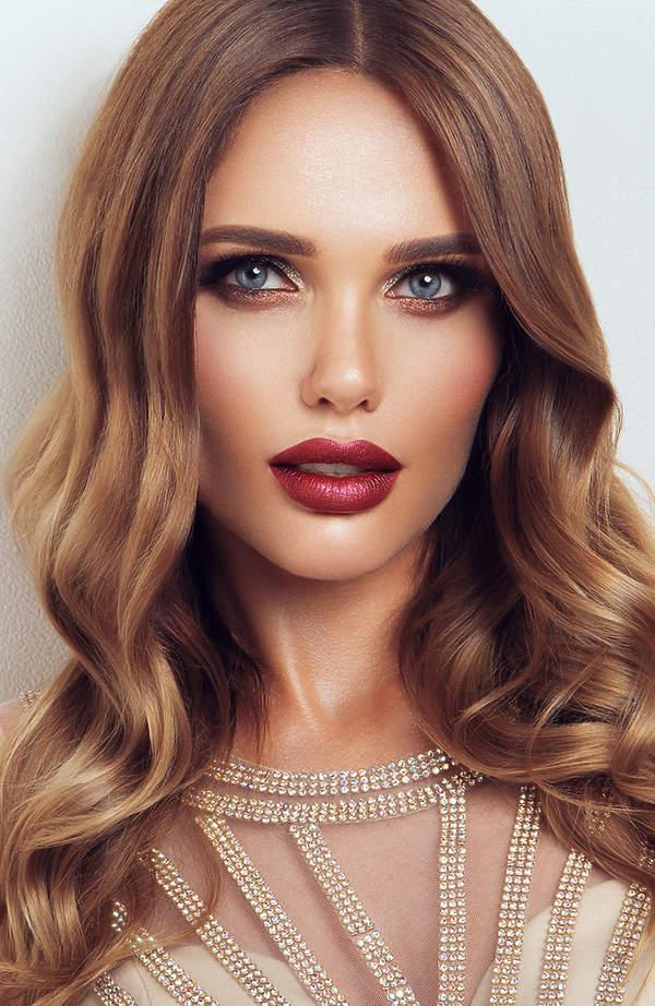 makijaż na dzień kobiet ciemne usta