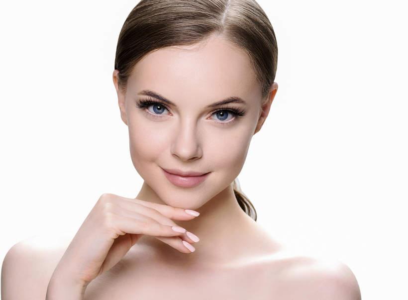 makijaż na wielkanoc 2021 długie rzęsy
