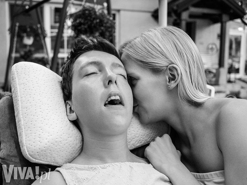 Mania i Ola, córki Ewy Błaszczyk, VIVA! sierpień 2016