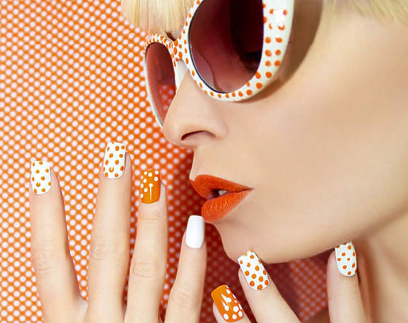 manicure-na-lato-2020-kropki
