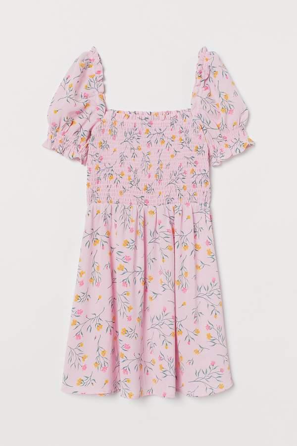 marcelina-zawadzka-w-sukience-w-kwiaty-podobna-kupisz-w-hm-za-60-zl