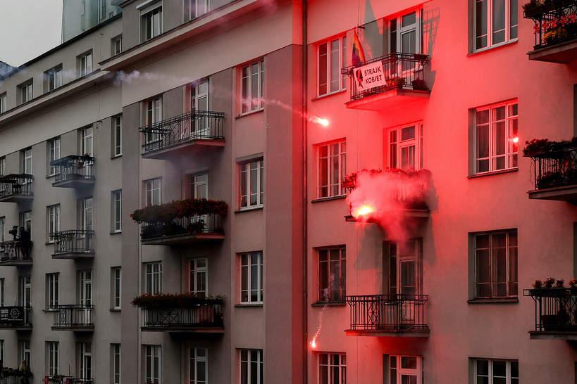 Marsz Niepodległości 11.11.2020, podpalone mieszkanie