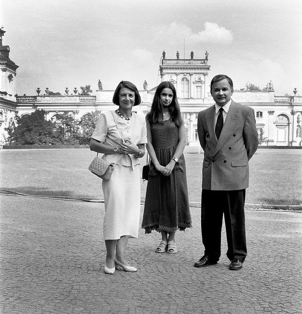 Marta Kaczyńska z rodzicami Marią i Lechem, 1995 rok