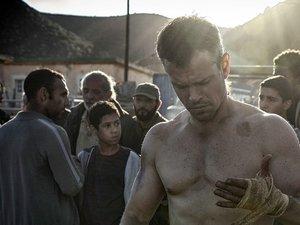 Matt Damon obwiązuje dłonie w filmie Jason Bourne