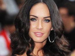 """Megan Fox na premierze filmu """"Transformers: Zemsta upadłych"""" w Londynie"""