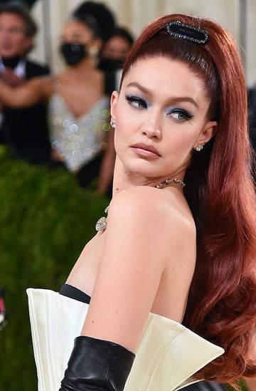 MET Gala 2021 makijaże i fryzury