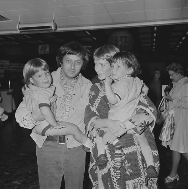 Mia Farrow i Andre Previn z dziećmi