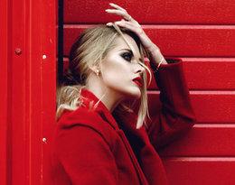 Lubisz czerwone ubrania? Sprawdź, z jakimi kolorami najlepiej je łączyć!