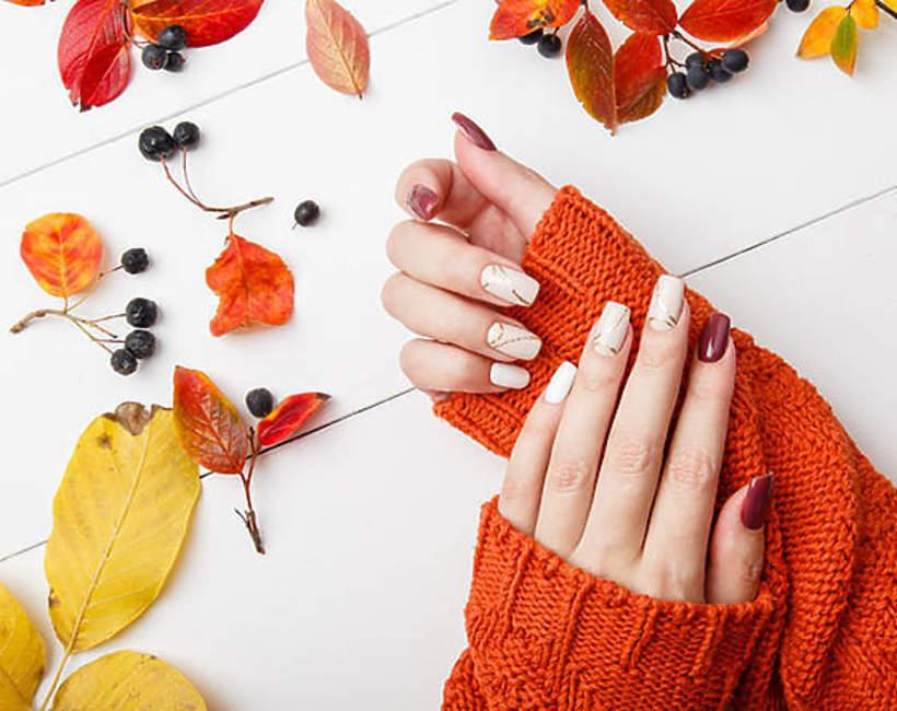 modne kolory-paznokci-na-jesien-2020