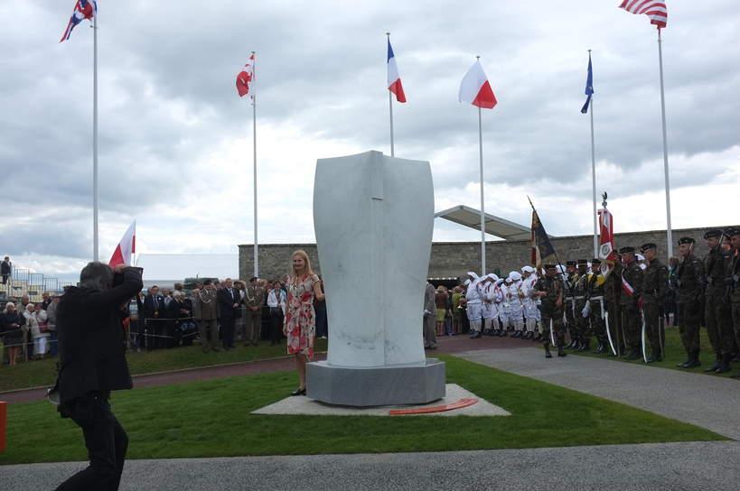 Montormel Maczuga odsłonięcie pomnika, Monika Osiecka