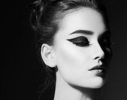 Te eyelinery i kredki do oczu polecają makijażyści najsłynniejszych gwiazd!