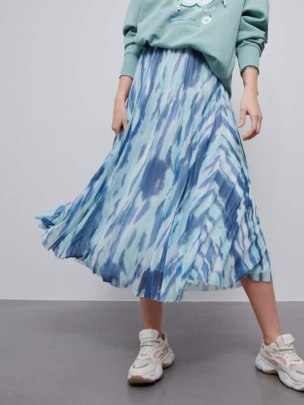 najmodniejsze-spodnice-w-stylu-boho-na-lato-2020-stylowe-modele-znajdziesz-w-reserved-i-zara9