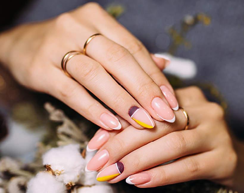 najmodniejszy-manicure-na-zime-2020