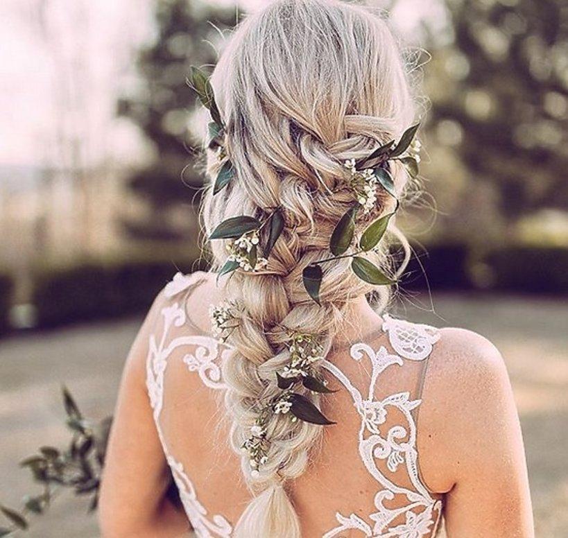 Najpopularniejsza Fryzura ślubna 2018 Messy Updo To Hit Internetu
