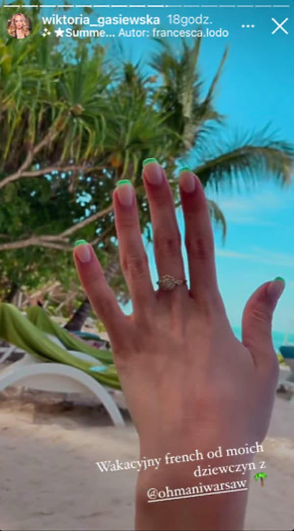 neon french manicure Wiktoria Gąsiewska
