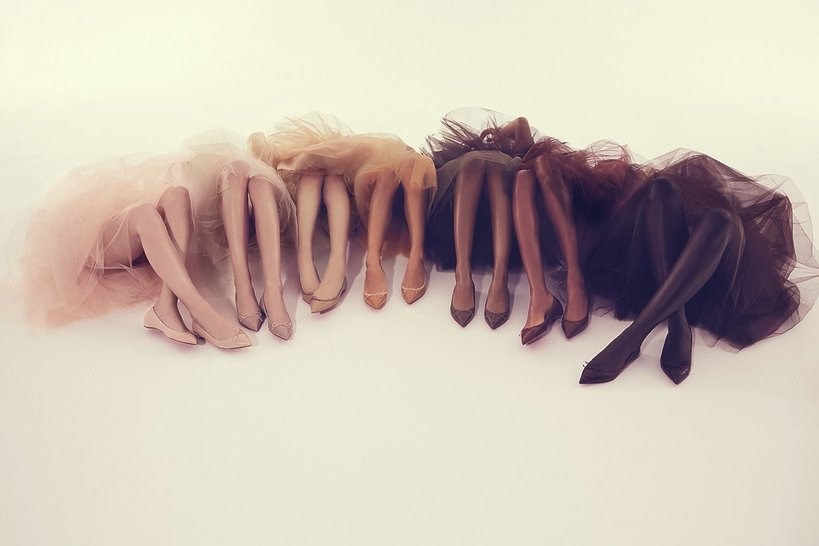 Nogi w różnych kolorach