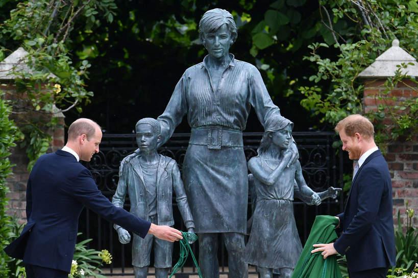 Odsłonięcie pomnika księżnej Diany, książę Harry, książę William