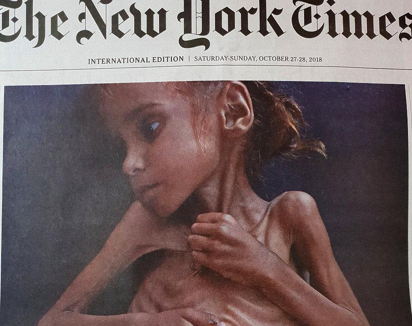 okładka The New York Times z umierającą z głodu dziewczynką