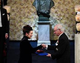 Olga Tokarczuk odebrała Nagrodę Nobla w pięknej sukience od Gosi Baczyńskiej!