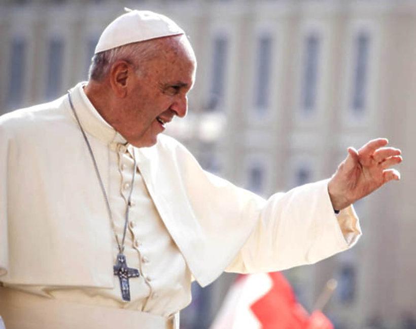 Papież Franciszek rozgrzesza aborcję
