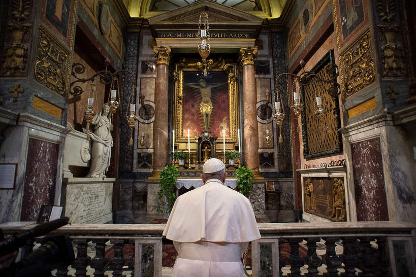 Papież Franciszek, Włochy 2020