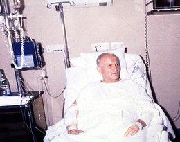 Papież Jan Paweł II w szpitalu po zamachu w 1981 roku