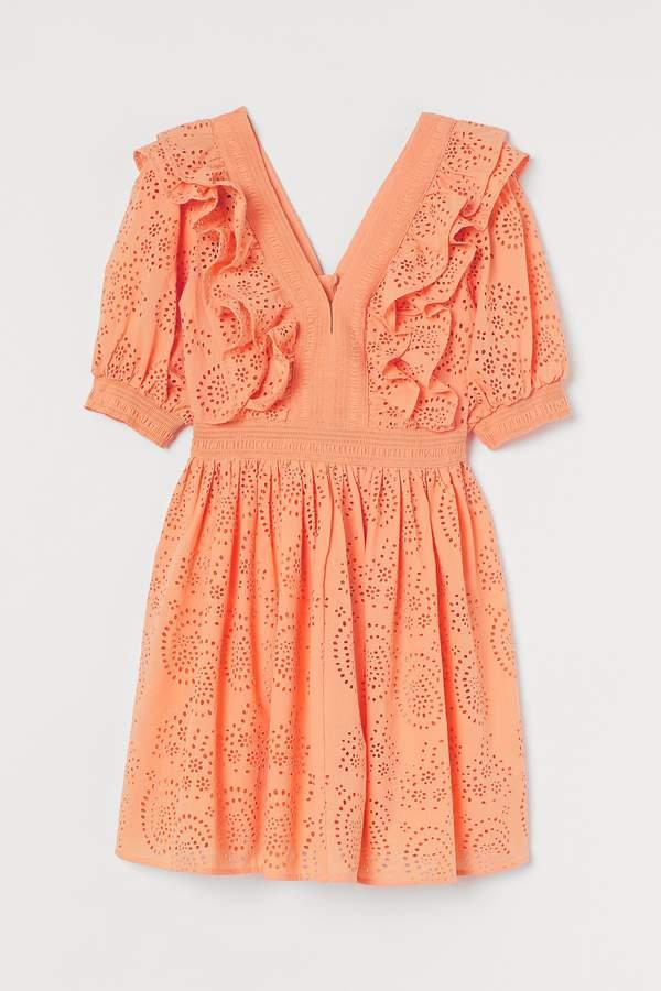paulina-sykut-jezyna-w-romantycznej-sukience-na-lato-2020