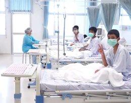 pierwsze zdjęcia chłopców uratowanych w Tajlandii, akcja ratunkowa w Tajlandii