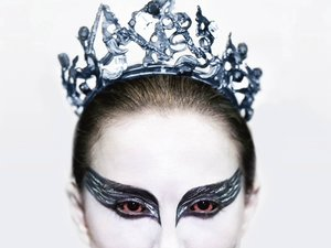 plakat filmu Czarny łabędź. Natalie Portman