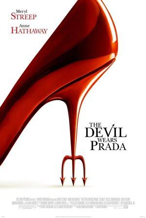 plakat filmu Diabeł ubiera się u Prady
