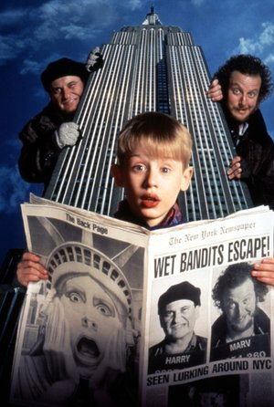 plakat filmu Kevin Sam w Nowym Jorku. Macaulay Culkin