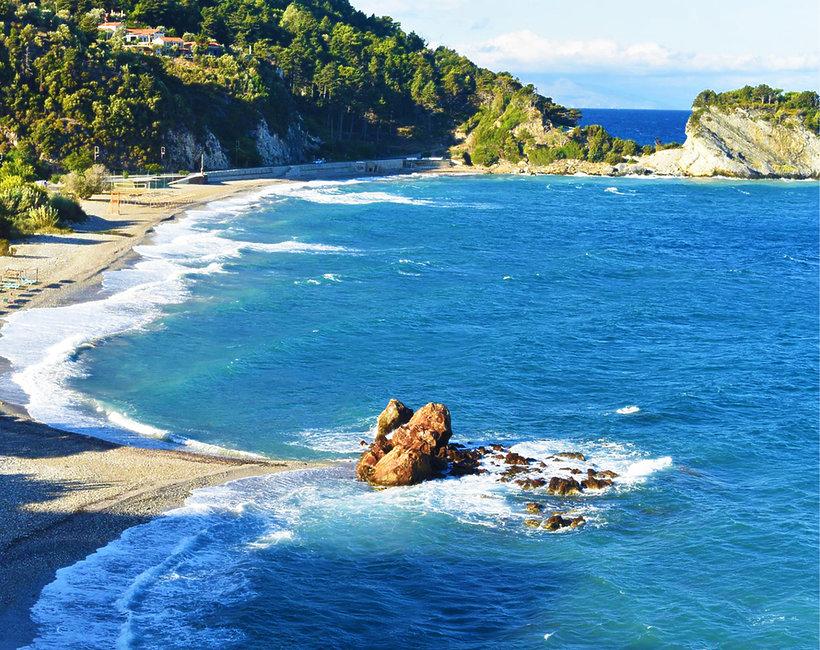 Plaża w Grecji, społeczeństwo