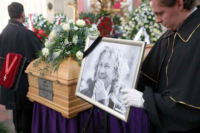 Pogrzeb Pawła Królikowskiego, kościół