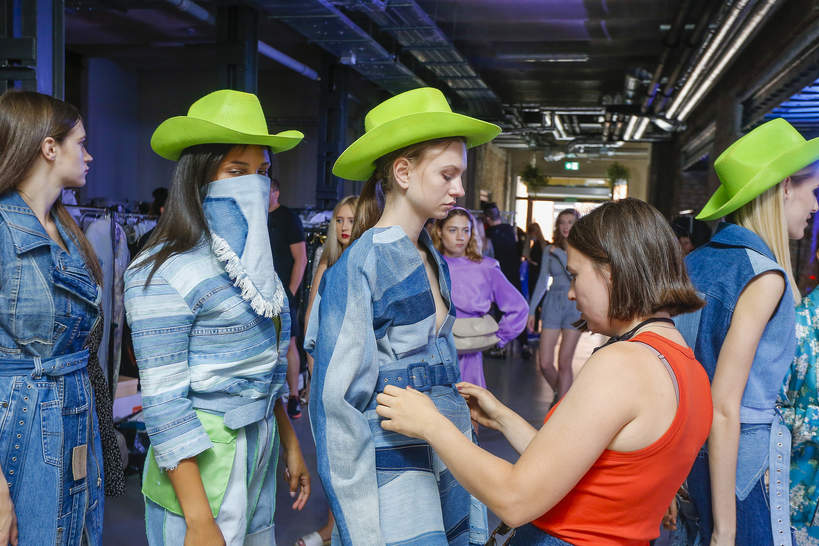 pokaz-dyplomowy-mskpu-2020-czyli-prezentacja-kolekcji-najzdolniejszych-studentow-kostiumografii-i-projektowania-ubioru-w-polsce
