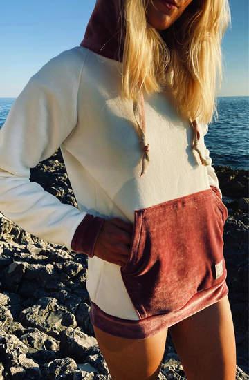 Polska moda na wiosnę 2021. Modne dresy, bluzy i luźne sukienki marki MAÑANA