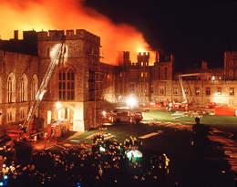 Pożar zamku w Windsorze złamał sercekrólowej. Te zdjęcia są wstrząsające...
