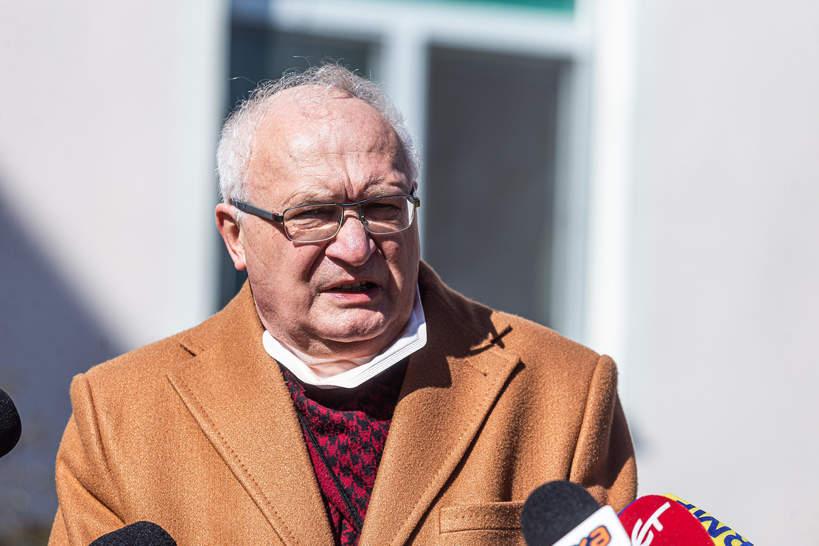 Profesor Krzysztof Simon
