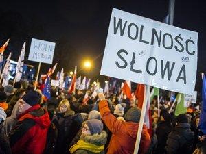 Protesty pod Sejmem, 16.12.2016