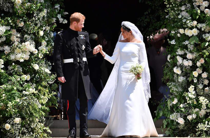 Protokół królewski Meghan suknia ślubna