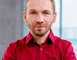 """Przemek Kossakowski z apelem do przeciwników Strajku Kobiet:""""Zamiast klepać w klawiatury..."""""""