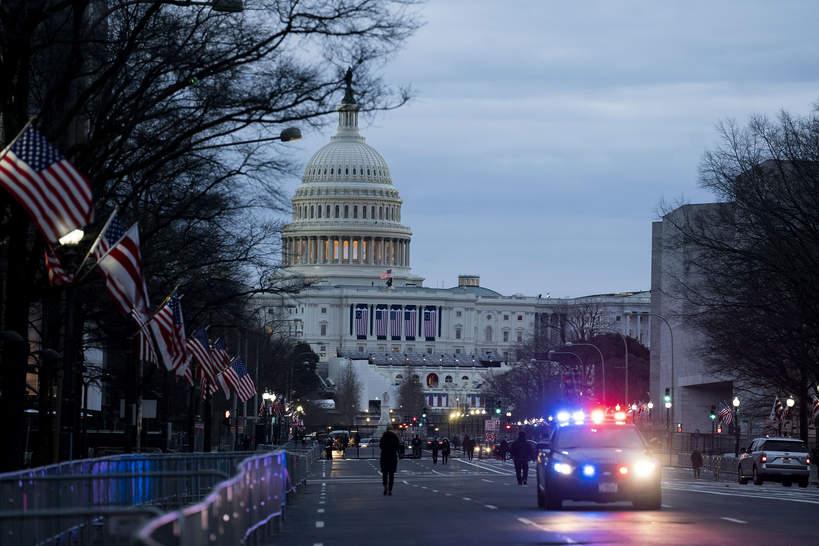 Przygotowania do prezydenckiej inauguracji na Kapitolu, zaprzysiężenie Joe Bidena