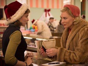 Rooney Mara i Cate Blanchett w filmie Carol